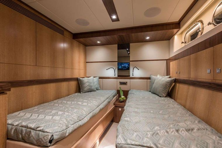 SEAGLASS 74 Yacht Charter - Twin Stateroom
