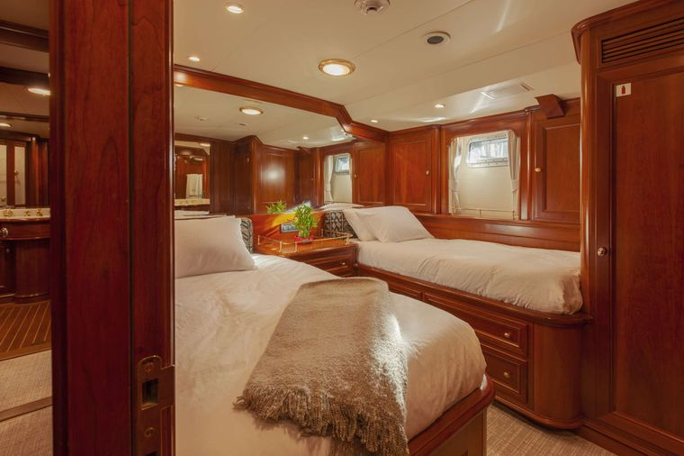 S/Y Kaori Yacht Charter - Twin stateroom with en suite, AC, smart TV and closet