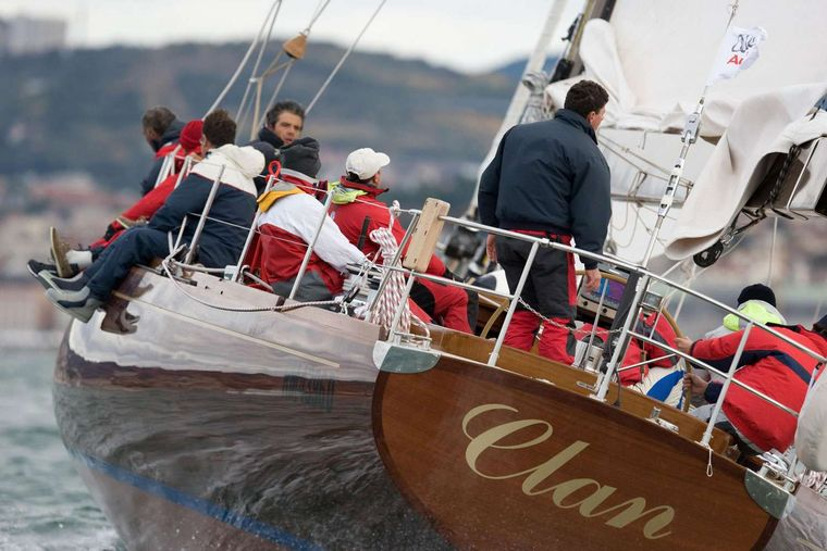 Clan 2 Yacht Charter - Ritzy Charters