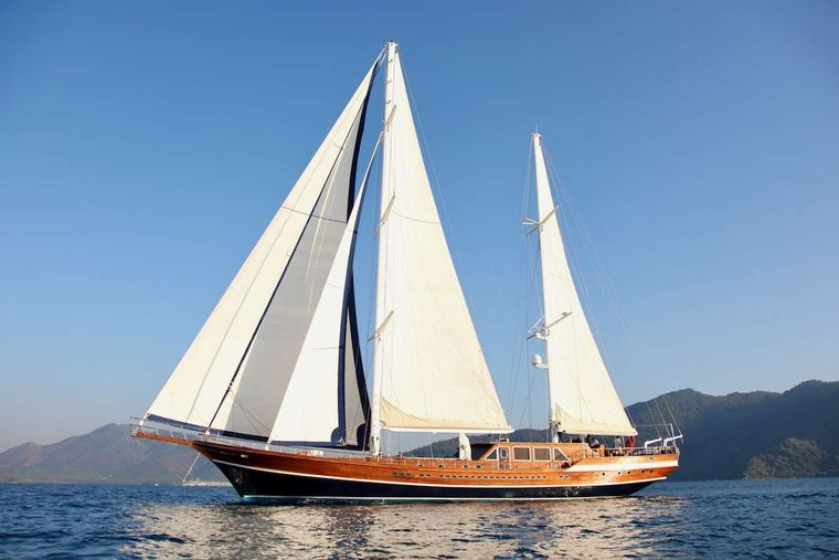 QUEEN OF DATCA Yacht Charter - Ritzy Charters