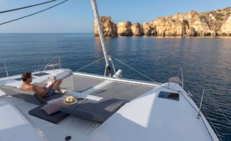 Dreamcatcher Yacht Charter - Foredeck lounge area