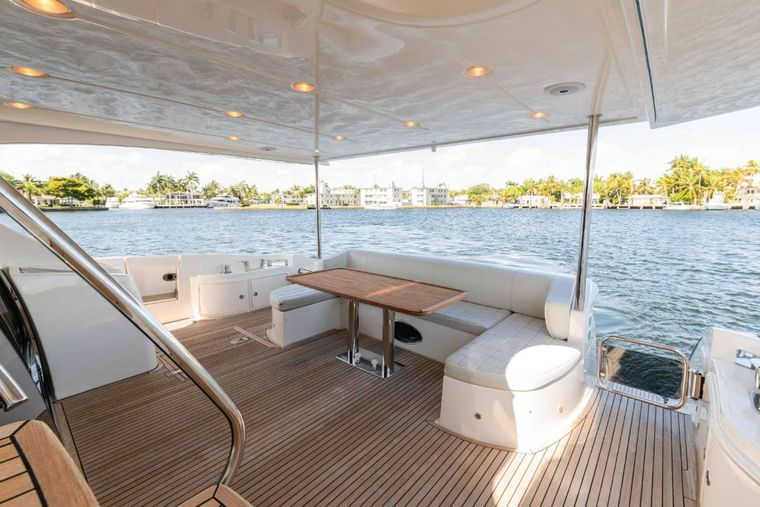 LUPO Yacht Charter - Cockpit
