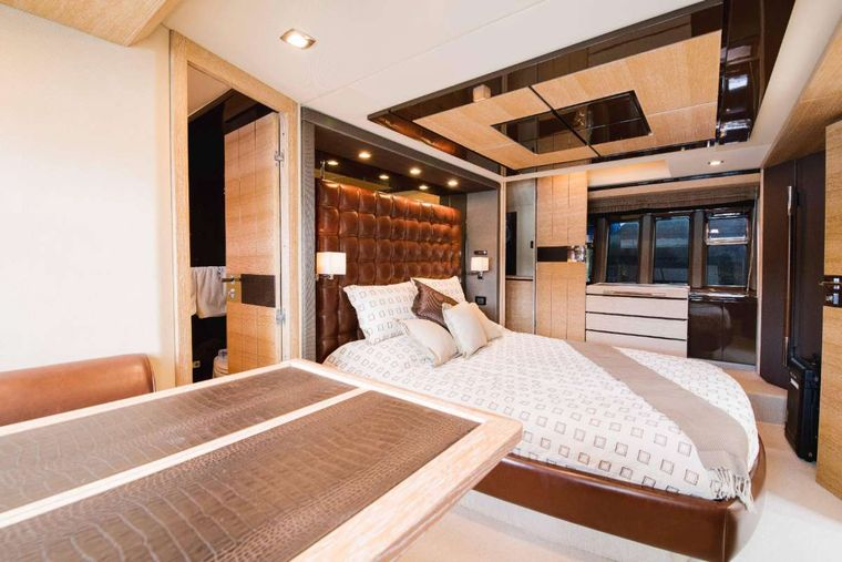 LUPO Yacht Charter - Master Cabin Bed