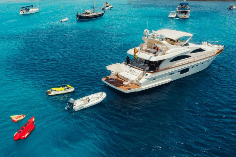 Mayte 4 Yacht Charter - Ritzy Charters