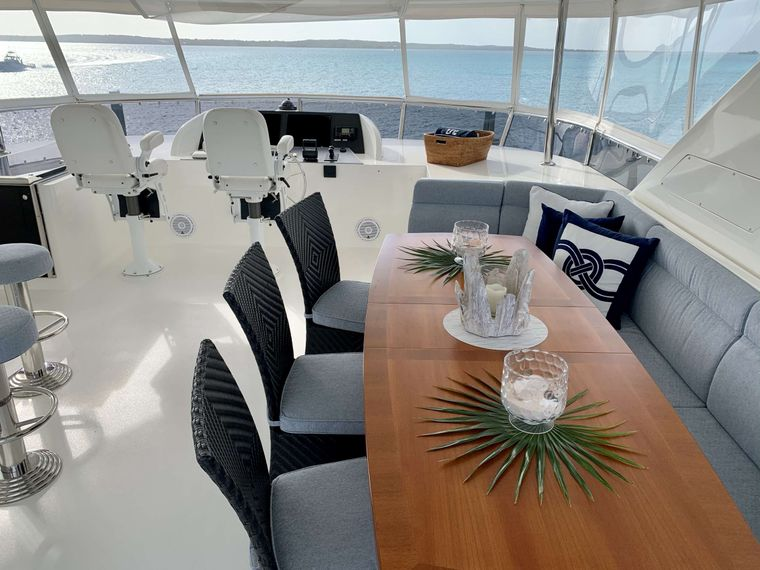 UNCORKED Yacht Charter - Flybridge Other