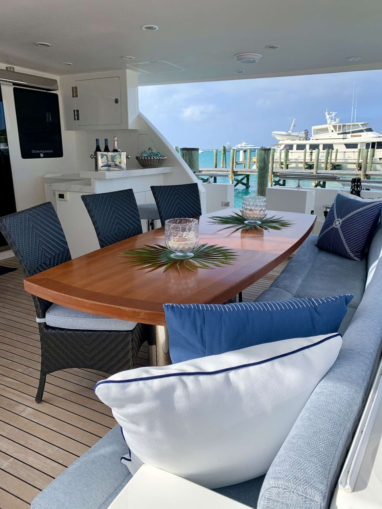 UNCORKED Yacht Charter - Aft Deck