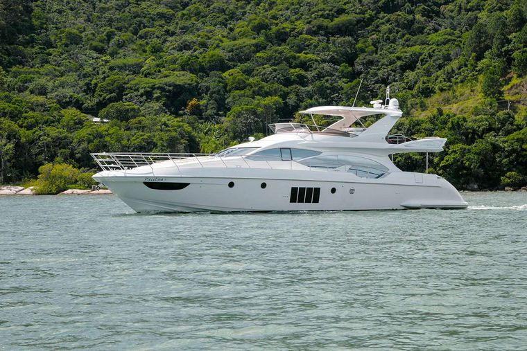 RESERVE Yacht Charter - Ritzy Charters