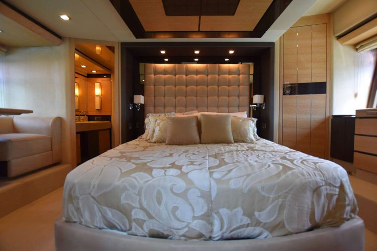 RESERVE Yacht Charter - Master Cabin Bed