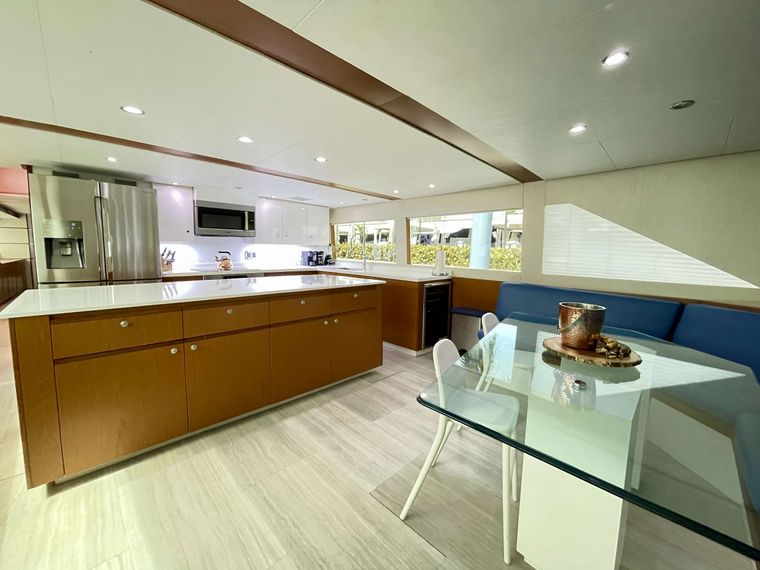 DESLIZE Yacht Charter - Galley