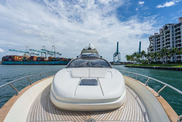 M3 Yacht Charter - Bow