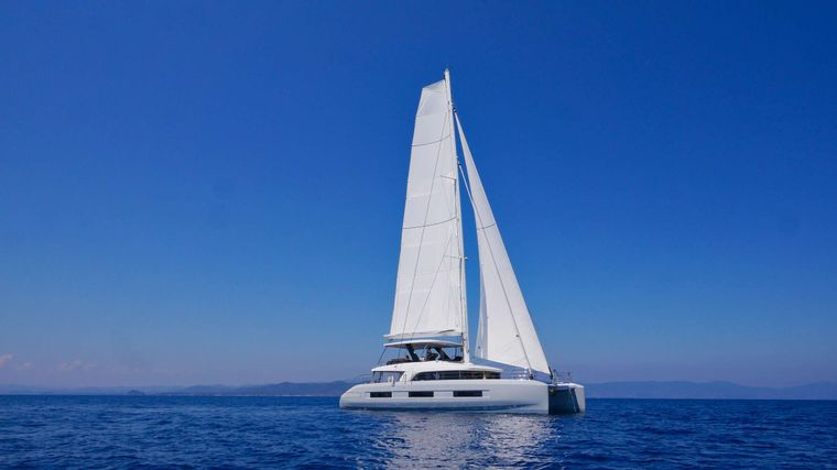 SMOOTHIE Yacht Charter - Ritzy Charters