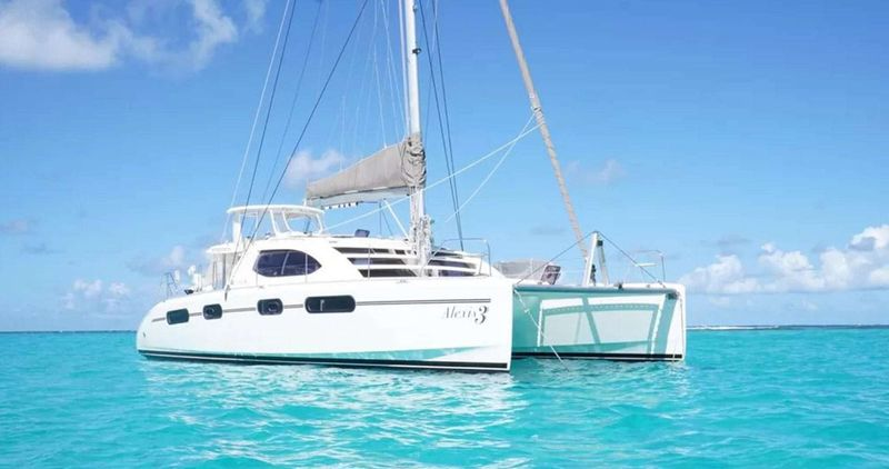 ALEXIS 3 Yacht Charter - Ritzy Charters