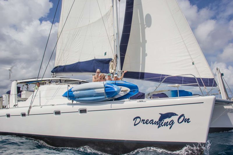 DREAMING ON Yacht Charter - Ritzy Charters