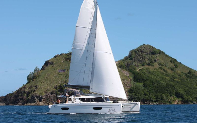 ALLENDE Yacht Charter - Ritzy Charters