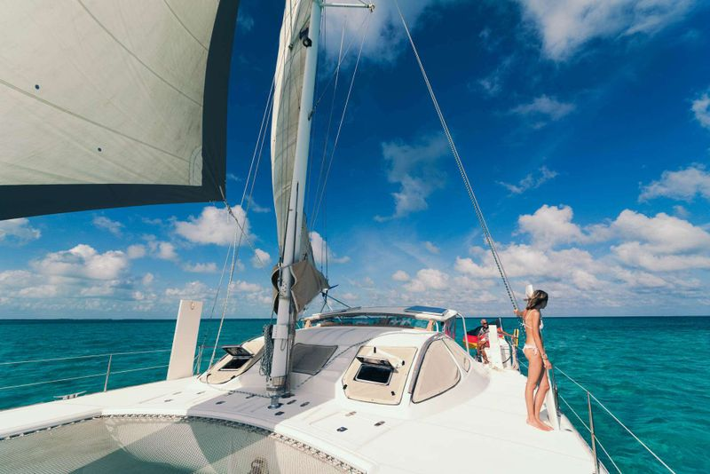iCAN Yacht Charter - Ritzy Charters