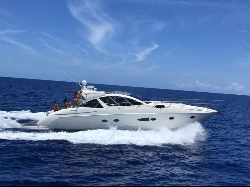SOL Yacht Charter - Ritzy Charters