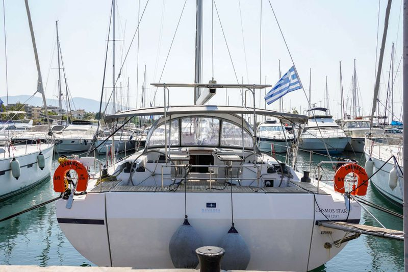 Cosmos Star Yacht Charter - Ritzy Charters