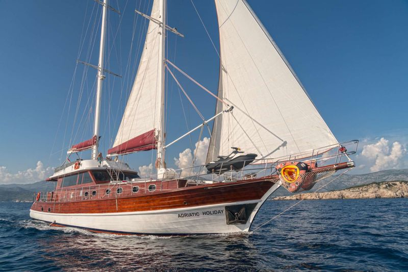 Adriatic Holiday Yacht Charter - Ritzy Charters