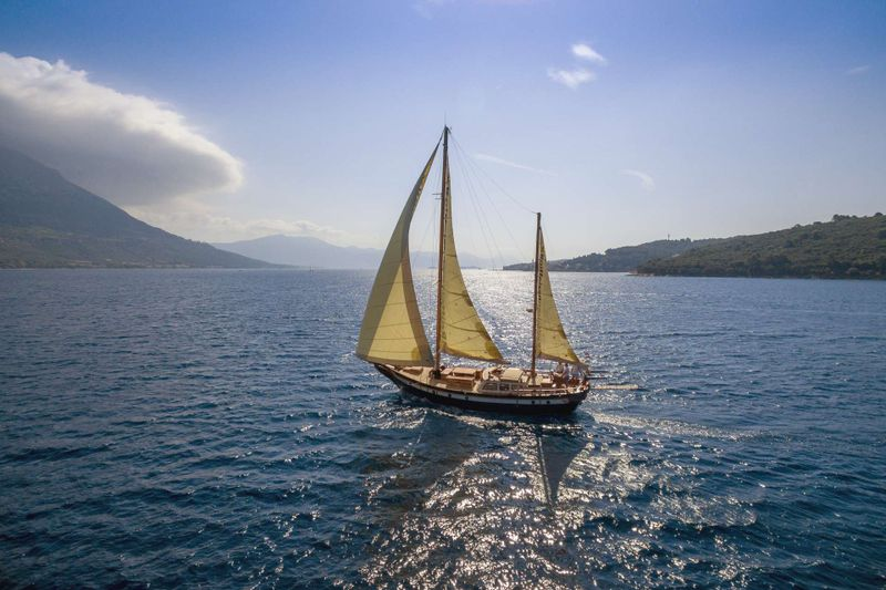 Providenca Yacht Charter - Ritzy Charters