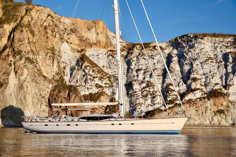 MIDNIGHT Yacht Charter - Ritzy Charters