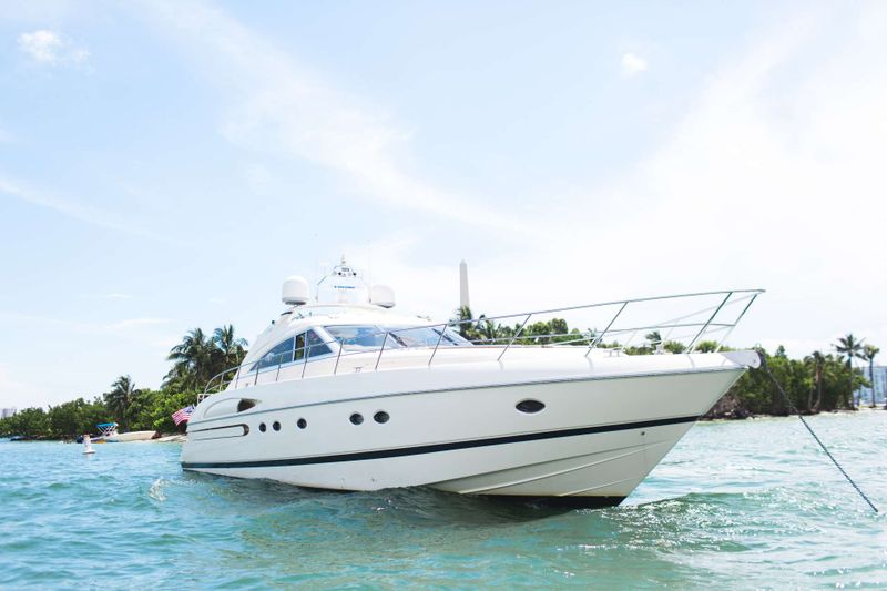 EVERYDAY Yacht Charter - Ritzy Charters