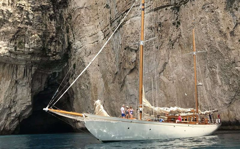 Halcyon Yacht Charter - Ritzy Charters