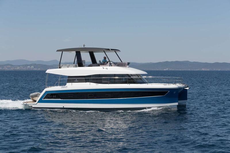 ENDLESS BEAUTY Yacht Charter - Ritzy Charters