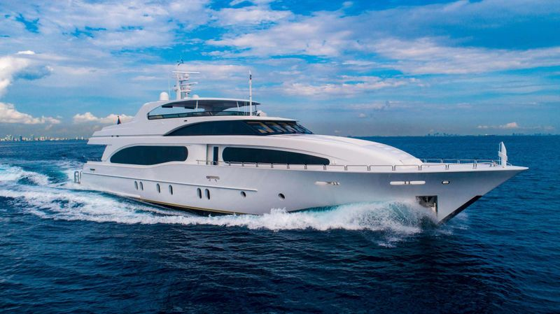 DREAM Yacht Charter - Ritzy Charters