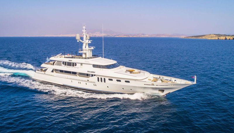 INVADER Yacht Charter - Ritzy Charters