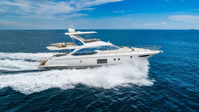 DADDY'S LADY Yacht Charter - Ritzy Charters